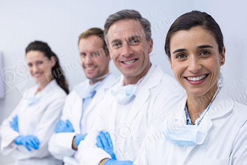 Как выбрать клинику и врача для успешной имплантации зубов