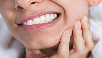 Возможные осложнения при имплантации зубов