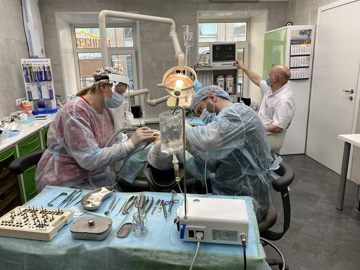 Имплантация зубов под седацией